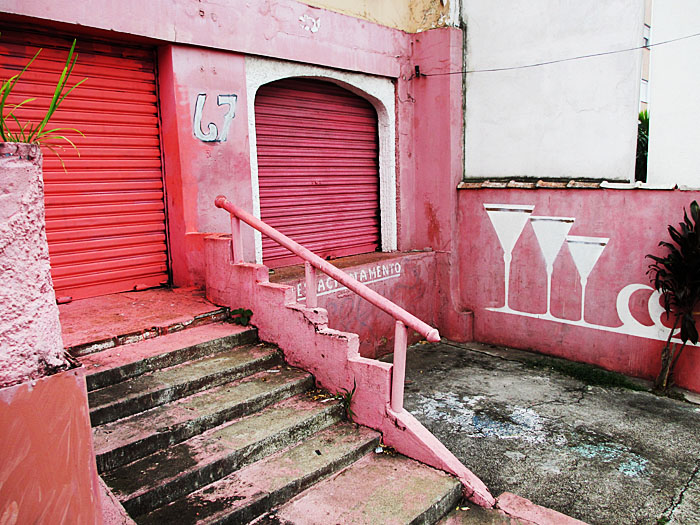 Foto van roze nachtclub